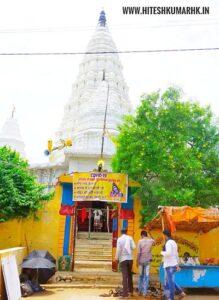 सांप के बिल से निकला हुआ है यह शिवकोकड़ी का प्रसिद्ध शिव मंदिर. shiv kokdi temple deurkona chhattisgarh